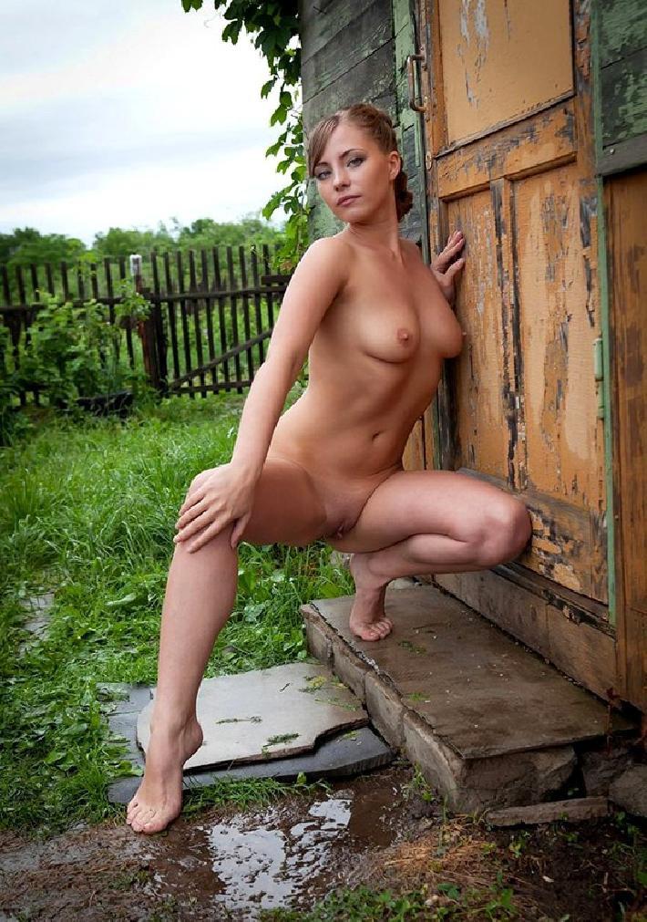 Порно картинки Красотка в белом белье скачать бесплатно