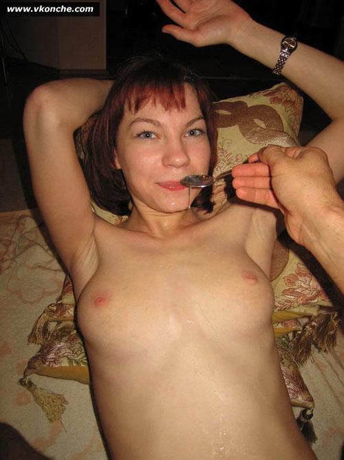 Порно картинки Кончил красотке на животик скачать бесплатно