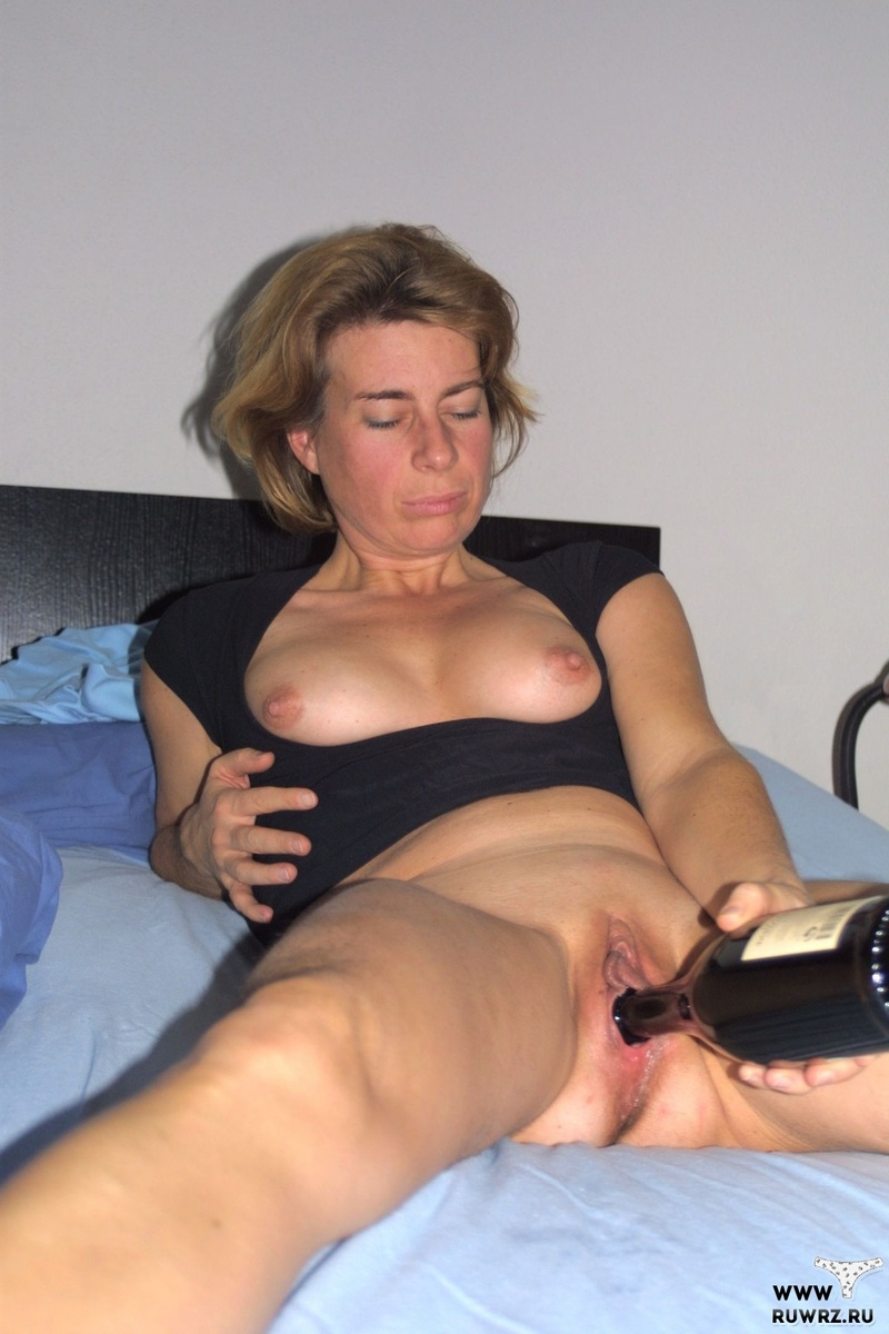 Шалит с бутылкой