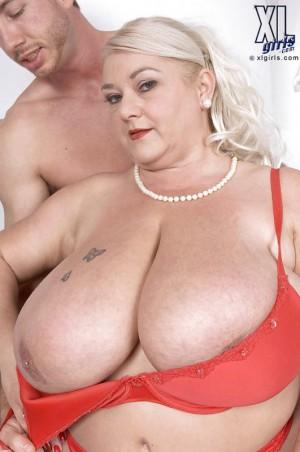 Очень большая грудь