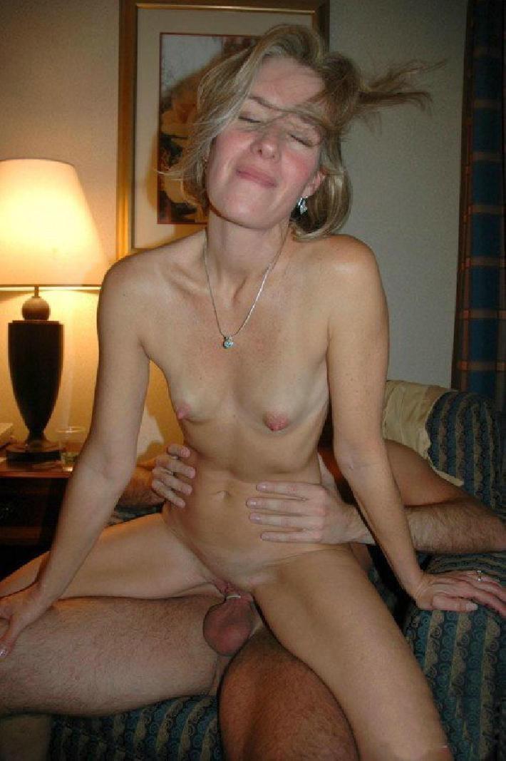 Порно картинки Довольная жена на члене скачать бесплатно