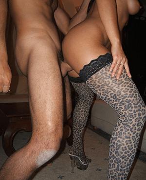 Порно картинки Трахает подругу стоя скачать бесплатно