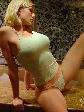 Блонда с шикарным телом