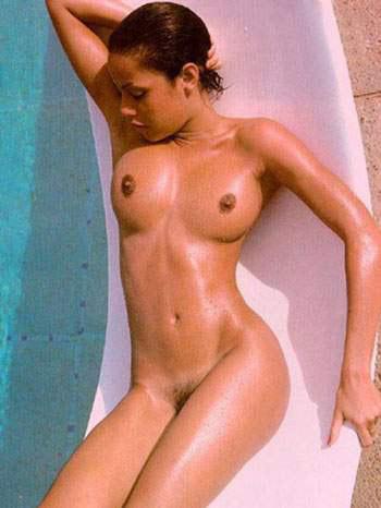 Анджелина Джоли в душе
