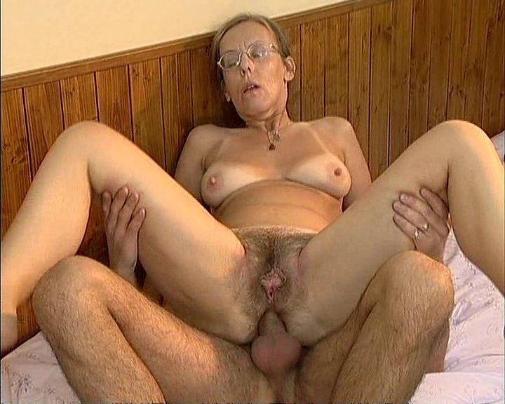 Порно картинки Старушка сходит с ума по аналу скачать бесплатно