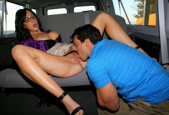 Порно картинки Жестко поимел в киску скачать бесплатно