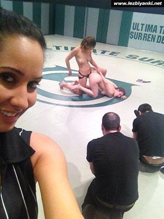 Порно картинки При свидетелей скачать бесплатно