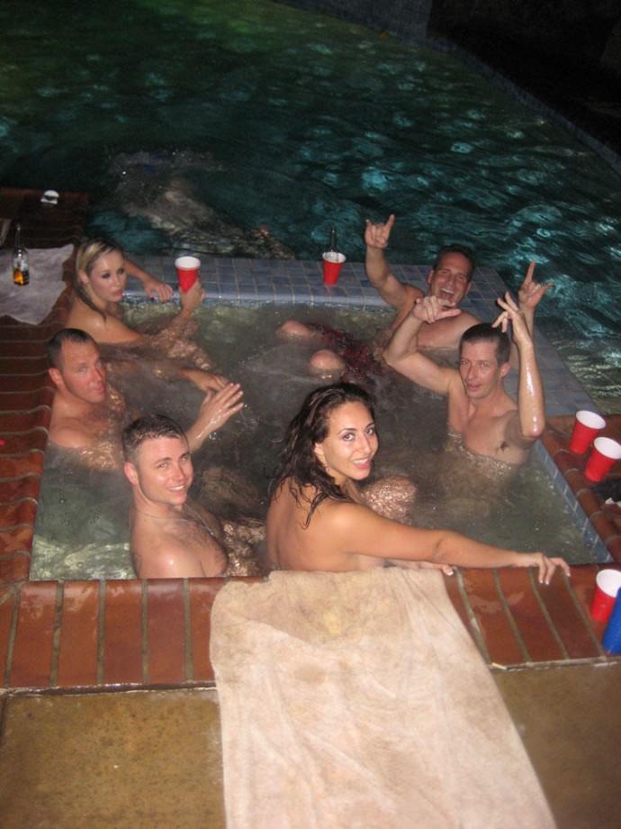 Мы все купаемся