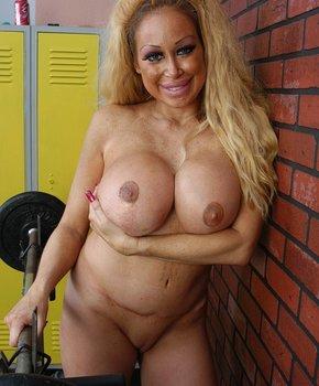 Большая грудь зрелой