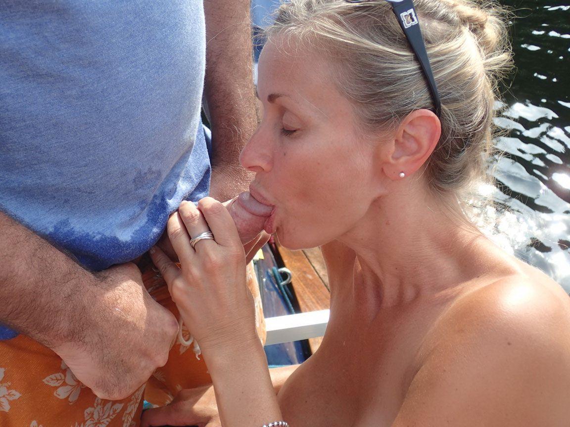 Порно картинки Дал в рот на пляеже скачать бесплатно