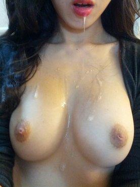 Порно картинки Залил подруге грудь спермой скачать бесплатно